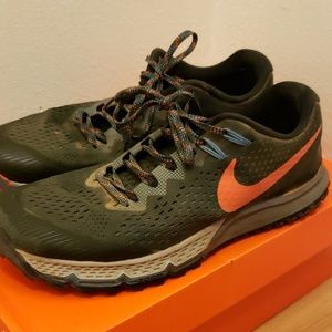 Nike Kiger 4 trail running shoes sz 10.5
